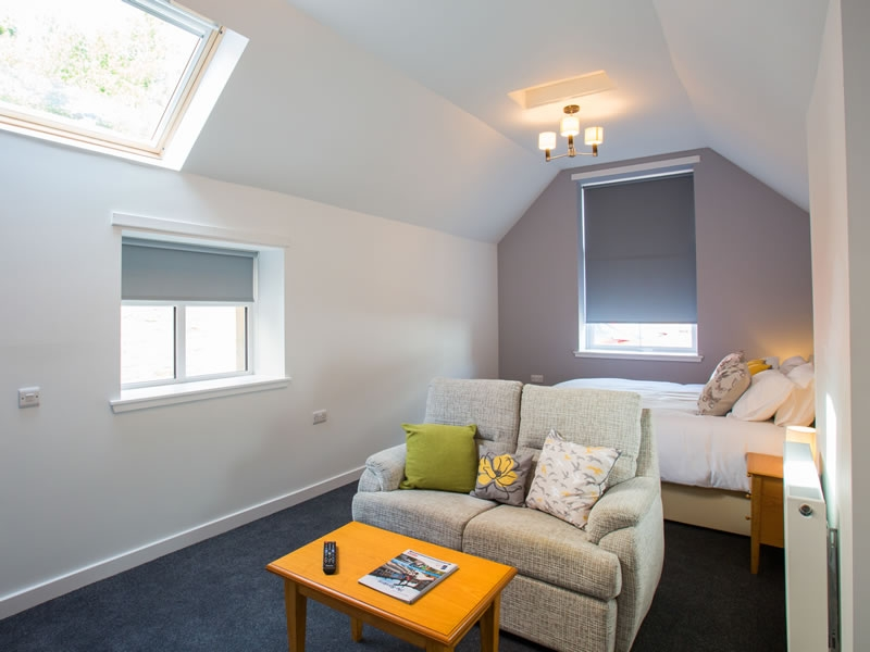 The Easy Access Suite is decorated in a contemporary style